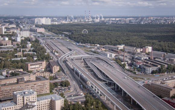 В составе развязки Юго-Восточной хорды и Волгоградского проспекта строится 5 эстакад